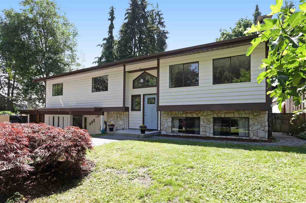 HUGE 17,000 SF ESTATE-LIKE PROPERTY backing onto MT SEYMOUR GOLF CLUB! SECLUDED LOCATION is 300 feet BACK FROM the Parkway. Close to Parkgate Village & a short commute downtown. Your PRIVATE OASIS awaits. Room for a Carriage House... Updated Split Level home has 3900 sq ft to live and play in.  Lots of room for your RV, Camper, cars or boat. New Kitchen w/High End Jenn-Air Appliances, New Cabinets w/Wine Rack, Double Sink, Quartz Counters, Island w/Breakfast Bar & New Light Fixtures, Updated Bathrooms.  New Engineered H/W Floors. Large Skylights brighten your day & Sun Room lets you enjoy your Delightful Gardens.  Large Patio w/room to add a Hot Tub (pre-wired).  In-Law Suite; 2 Hot Water Tanks; Newer Roof; 3 Fireplaces; Workshop; 200 Amp Main Panel. Open House:Sunday, September 24, 2-4 PM