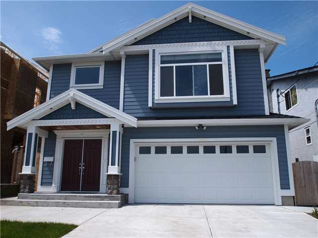 6 yrs old 2 storey home located in desirable Central Park area. Custom built with quality finishing & attention to details. There are 6 generous size bedrooms with 4 baths. The main level has one 2-bedroom suite and one 1-bedroom suite with two separated entries, great mortgage helper! Top floor features spacious kitchen leading to the covered deck. Walking distance to Moscrop Secondary Schools, BCIT,  public transit, Central park, Skytrain and 3 mins drive to Metrotown and Crystall Mall. Don't miss it.