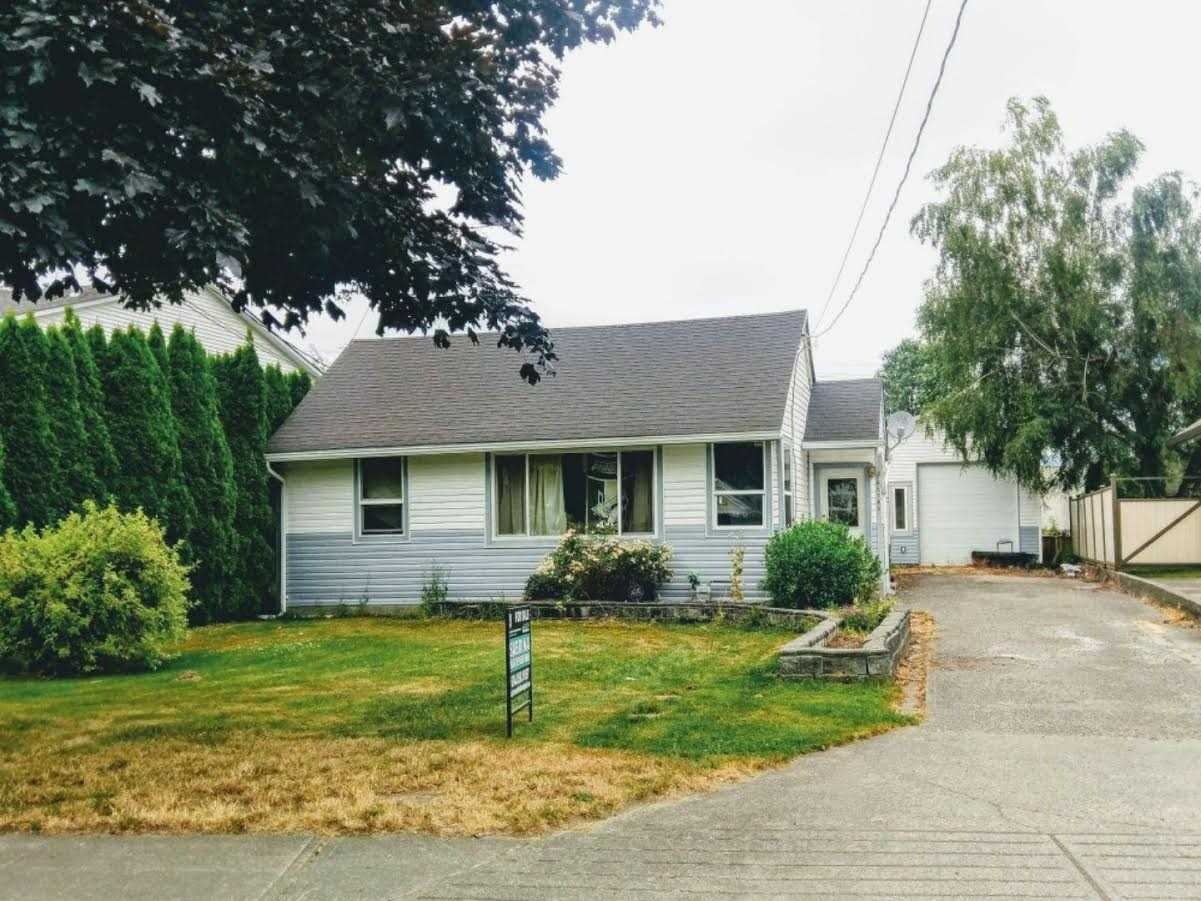 Great place at affordable price.  Over 12,000 sq ft lot with cute 3bdrm house and Huge 30x20 SHOP!!  Shop has two 11' doors on front and back.  2x6 construction and power. The roof on the main part of the house is only 5 yrs old. Great location and walking distance to schools, shopping, banks, mall and restaurants.