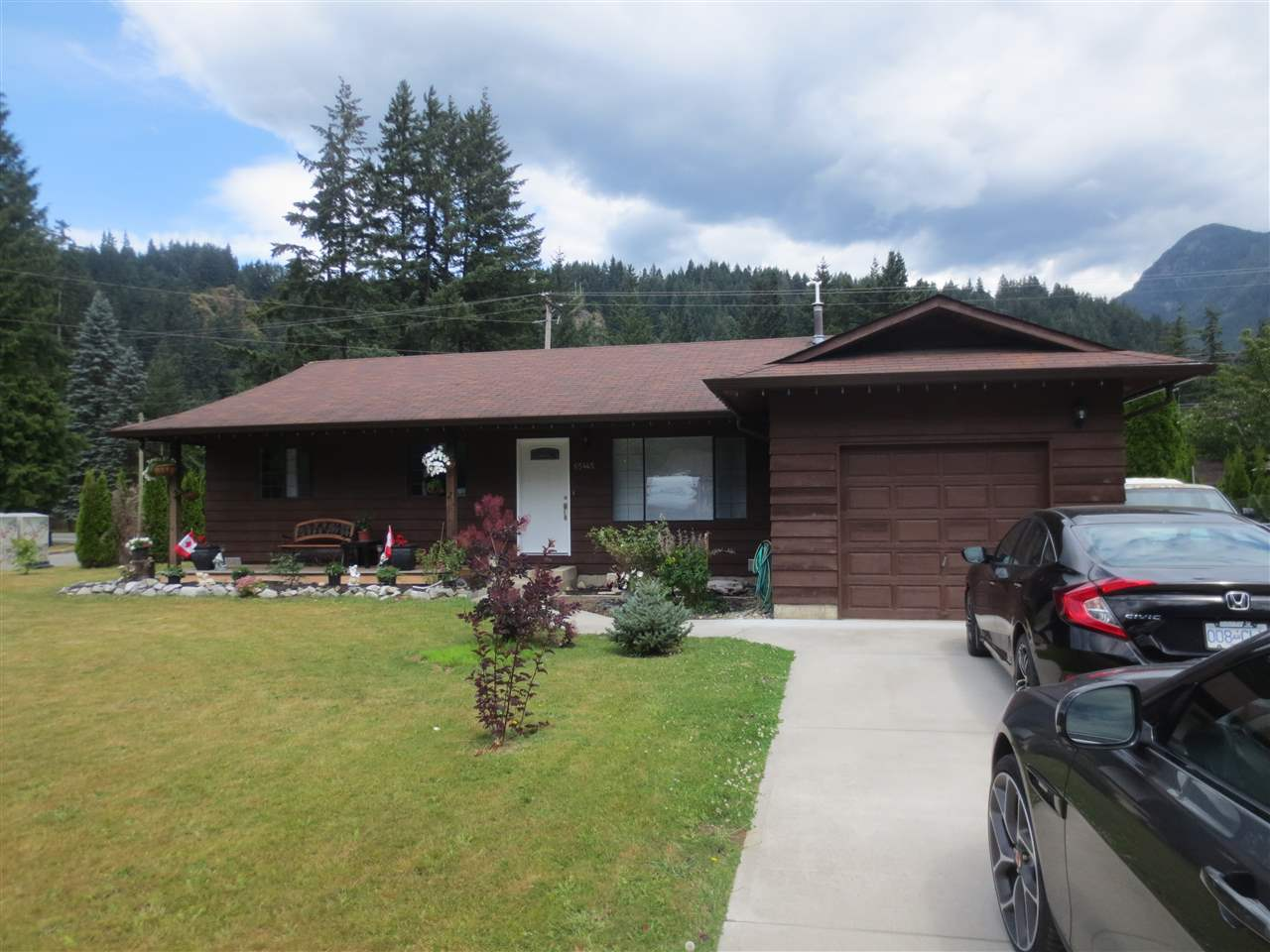 Nicely renovated 3 bedroom rancher home on large lot in desirable area with panoramic mountain views. New bathrooms, new furnace, new hot water tank, updated kitchen, new paint, light fixtures & many more updates! Large sliding doors off the back for natural light. Beautifully landscaped hedged private yard with a large 16 x 16 deck off the back. Seperate detached garage/workshop. Only minutes to Kawkawa Lake, the Coquihalla River, shopping and recreation. Call to view today.