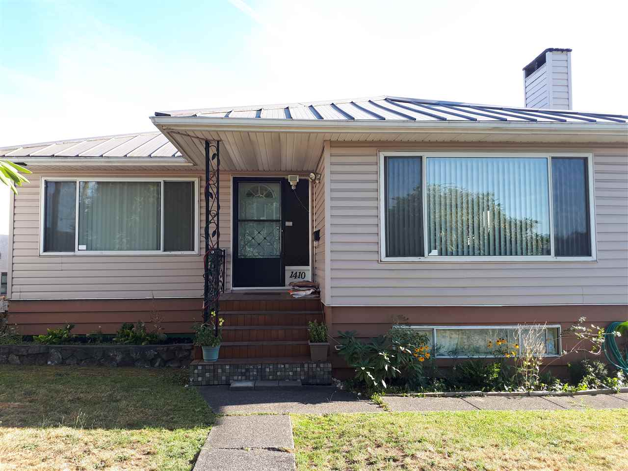 Builder alert! Big 5067 sq/ft lot with back lane. Very solid, spacious house with full basement. Hardwood floor on main/new laminate in basement. Metal roof. Central location, close to everything.