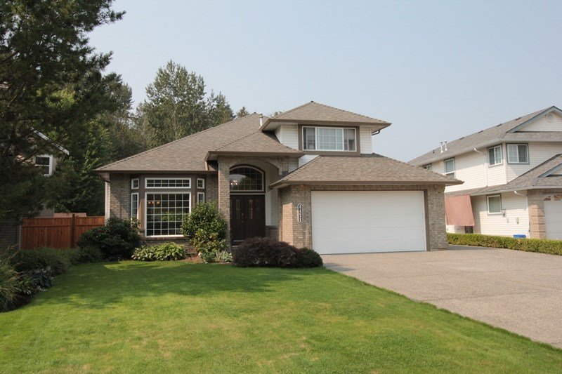 Located on a quiet, tree-lined street, this hard to find Murrayville rancher w/ loft is situated on an over 1/4 acre lot!  Main floor boasts master bedroom suite w/ stylish new ensuite, second bedroom, spacious living room w/ vaulted ceiling, gas F/P, bay window, & adjacent dining room. Sunny & bright open concept gourmet kitchen w/ white shaker cabinets, quartz counters, S/S appliances, huge island, porcelain sink, breakfast bar, vaulted ceilings, large eating area, & access to family room. Glass slider leads to spacious partially covered deck & huge yard; enjoy entertaining & BBQ's year-round! Upstairs offers 2 bedrooms & large games room/flex room. Updates incl. paint, lighting, baths, carpets, tile & hardwood floors, crown moldings. Detached 20'x20' garage w/ 220 power & RV parking!