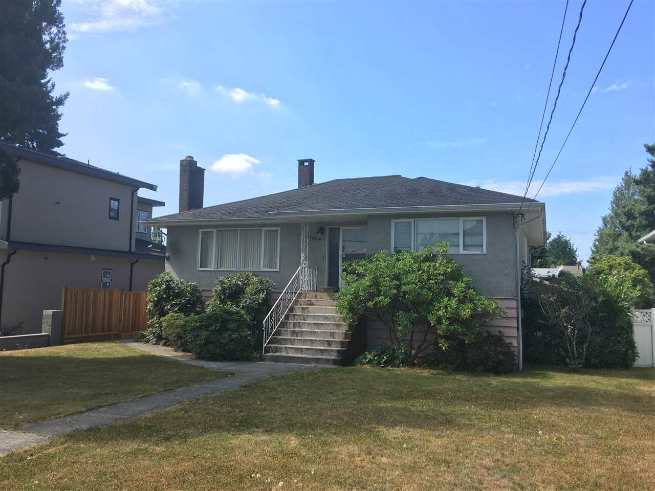 A 55'X122 lot with over 2100s.f. great starter home (or building lot) in desirable Sperling-Duthie area, a short drive to shops and restaurants on Hastings, and an easy commute to Downtown or SFU via transit. For investors, the basement is fully finished, with lots of storage, and suite potential. Lane access at the back. The property is zoned R4 and is close to Lochdale Community Elementary School, Burnaby North Secondary School and SFU. Outdoor enthusiasts will appreciate Burnaby Mountain and the Trans Canada trail, as well as the dynamic Kensington Park, with outdoor pool and Rec. Centre.