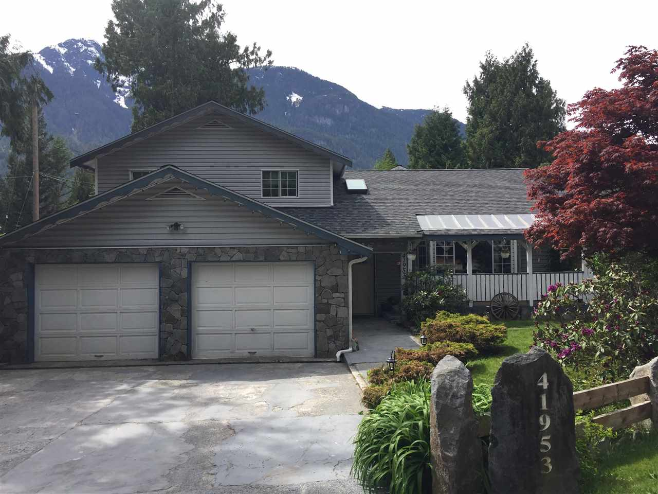 """Located in beautiful Brackendale, Squamish this 4 bed, 3 bath home is perfect for any busy and active family. Owner occupied since construction and meticulously maintained - the home sits on a duplex zoned corner lot that is steps away from an elementary and high school. The home is very open and inviting with large living and family rooms that is perfect for entertaining. Large Master bedroom with his and hers closets. Lots of room to play in the backyard with the fantastic deck area, pool, hot tub, pond and fruit trees/bushes. A great opportunity to experience the outdoor recreation of Squamish while living in this charming property where you will instantly feel """"at home"""". Suite potential. Call now for your private showing."""