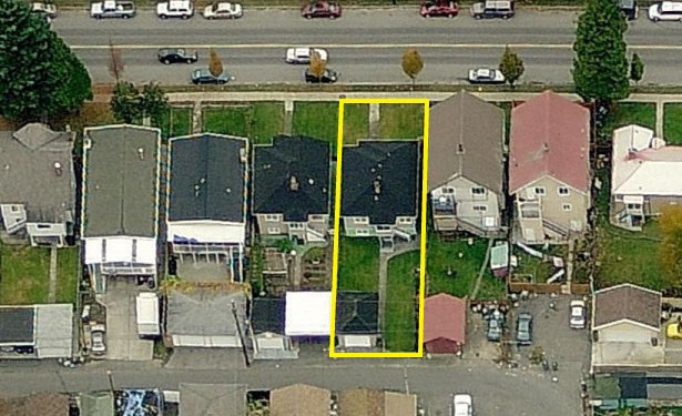 BUILDERS AND INVESTORS ALERT! Great location West of Fraser Street.  33X132.5 lot with lane access. Improvements through the years include newer roof, furnace and hot water tank. Peeling back carpet reveals gorgeous hardwood floors in pristine condition. Pride of ownership is obvious throughout. Great layout with 2 bedrooms & a full bath on the main and 2 bedrooms and a full bath below in the full height basement. Walking distance to both Fraser and Main Streets and close to schools, the library, shopping, restaurants, public transit and only minutes drive to downtown.  It's an easy walk to enjoy all that this neighbourhood has to offer.