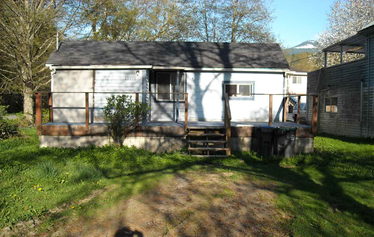 Large corner lot 6100 SF. 1 bed/1 bath home. Hold or build. Central location.