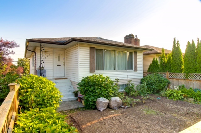 This family home sits on the corner of East 57th Ave and Culloden St. Vancouver. Perfect for Investors or Builders. Live or Rent now and build your dream home later. 2 Storey Basement home , 4 bedrooms , 1965 sq.ft , on a 33x112 lot with back lane access. Upstairs has 2 bedrooms ,living & dining room, bright & spacious kitchen with eating area that open up to a big South facing sundeck (12'4x11'8). Downstairs has 2 good size bedrooms, 17'3 x 12' living room, kitchen and full bathroom, with separate entrance. Close to bus, Walter Moberly Elementary & David Thompson Secondary schools, minutes to Richmond.