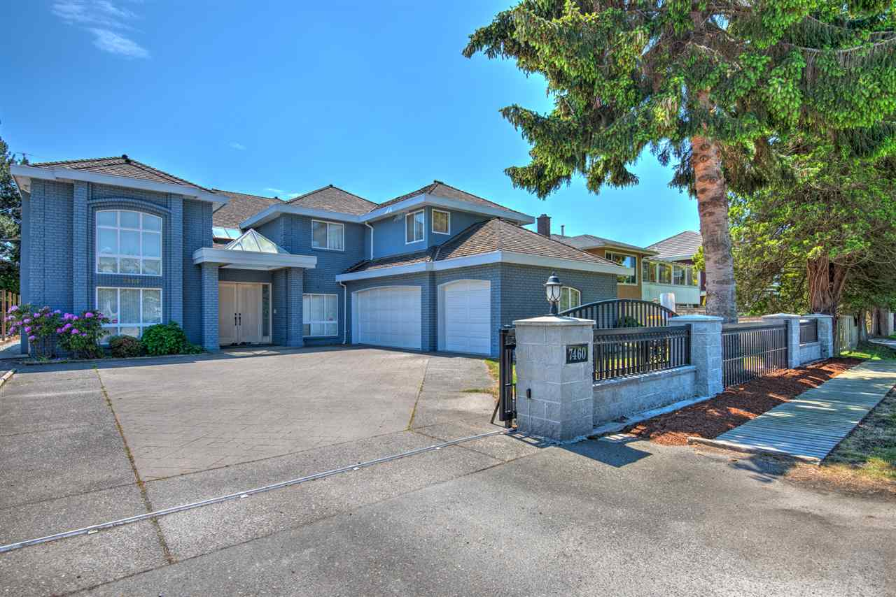 Good quality and well-maintained house in a quiet neighbourhood in Richmond westside. Spacious 4426 sqft house on a big 7657 sqft. lot, 6bdrm, 5.5 bath home with sauna and recreation space that is perfect for big family, Huge kitchen+bar and yard for hosting dinner parties and outdoor BBQ in the summer! 3 cars covered garage and plenty of street parkings for guests. Great location, close to transit and mall, and walking distance to No.3 & William Rd, Shopping Mall & London Secondary. School Catchment: Errington Elementary, Steveston-London Secondary