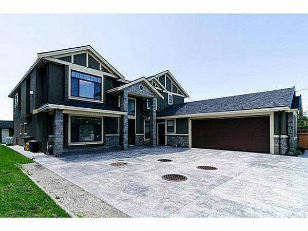 Total 5 years new home has 5300 sqt property and it very close city centre and easy go to highway 99 & 91 more than 12 rooms with 8 bathrooms and many kitchens.... it won't last!