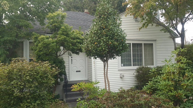 Very solid 4 bedrooms home in South Granville area. Great for investors or developers, zoning has been rezoned to RM-8N, ready for townhouses or row house development, possible land assembly. Corner lot. Great opportunities.