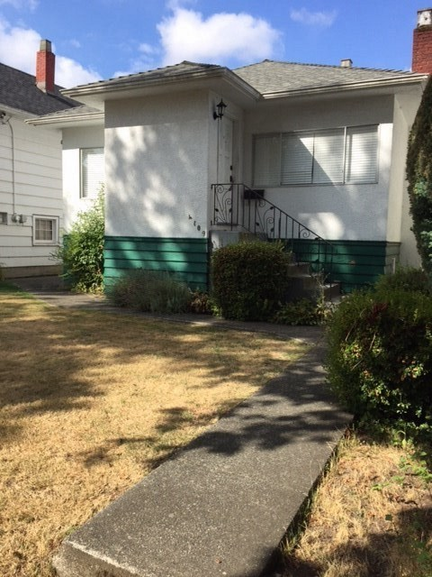 "BUILDER/INVESTOR ALERT! This 4 Bedroom / 2 Bathroom home is ideally located in the Main/Fraser area of Vancouver and is close to everything. Lots of transit options; Fraser, Knight, 33rd or 41st. Excellent value, property assessed at $1,437,200. Great Income Property or Build to Suit - ""As Is/Where Is"". Conduct of Sale. OPEN HOUSE - SATURDAY, OCTOBER 21 (2 to 4pm)"