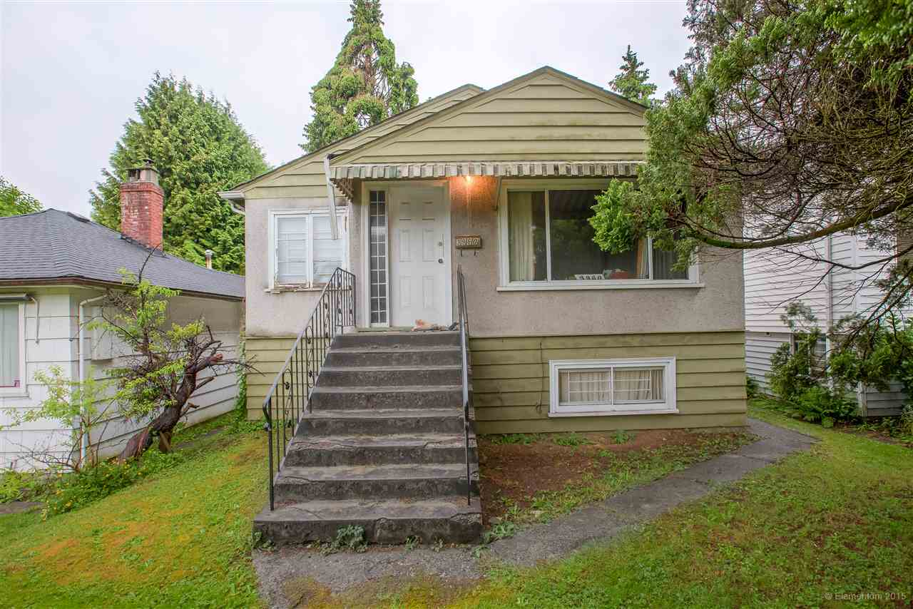 OPPORTUNITY KNOCKS!! Flat 32.5 X 108.8 lot in Vancouver's Renfrew Heights neighborhood. ENDLESS POTENTIAL to build your dream home or update the current one. Lane way access and potential to BUILD A COACH HOME for a mortgage helper in the back! This is a Prime Location- only walking distance to schools, parks, shopping, transit and more! Immediate possession possible!