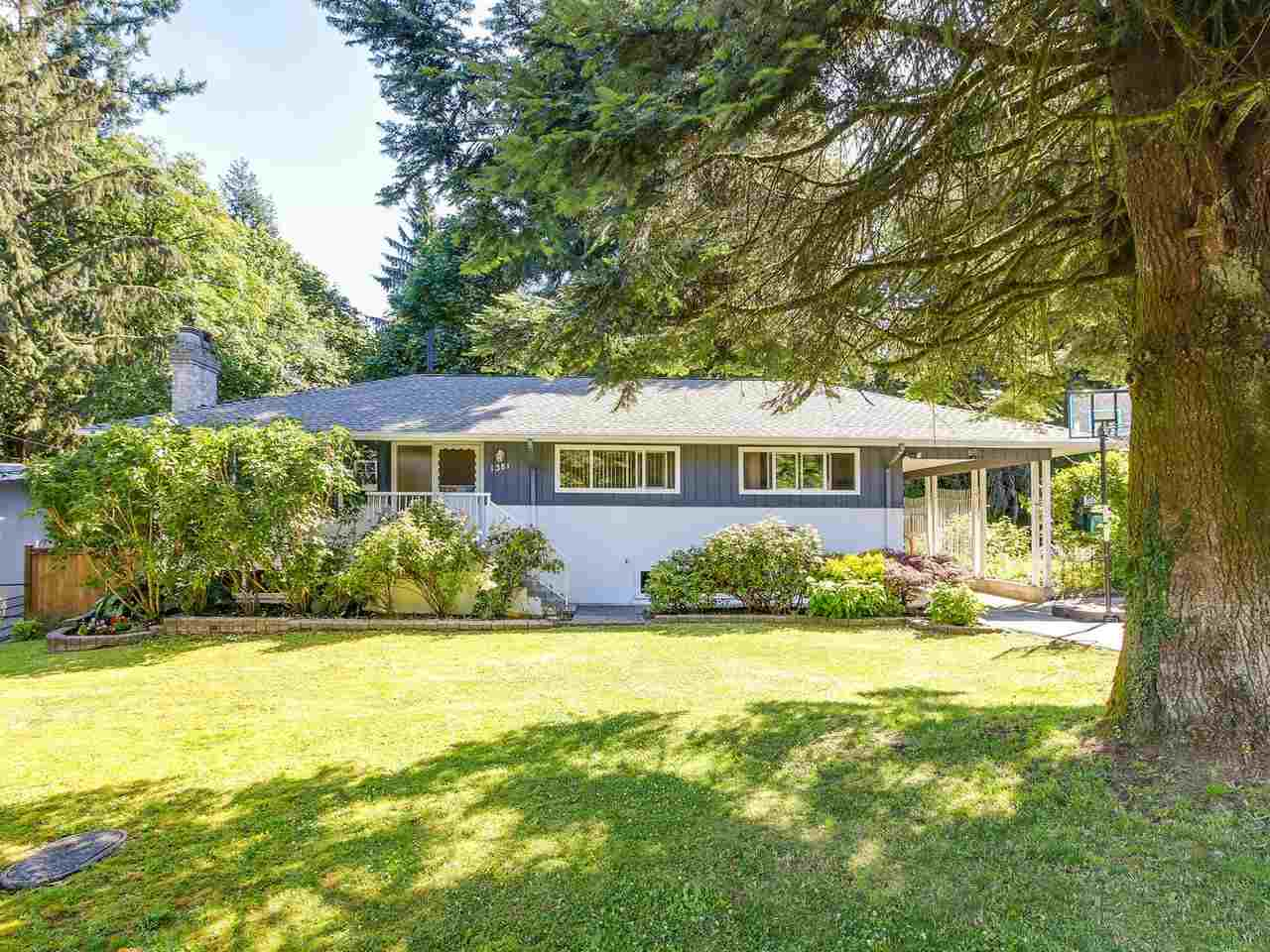 5 Bedroom house on quiet cul-de-sac in prime Harbour Chines location. Large lot (approx. 1/3 acre- 14,668 square feet) with 60' frontage 110' at the back and 154 deep on both sides. Very private yard backing onto ravine greenbelt. 2 gas fireplaces and hardwood floors. Newer roof and windows. Only second owner in its history. Peaceful area near Harbour View Elementary, All Saints school,shopping, parks and transportation. Open noon-2:00 Sunday October 29.
