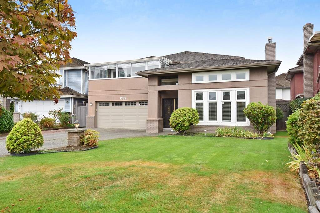 Rare find bright, clean & well maintained deluxe house in the prestigious Southwynd subdivision off No.1 Road & Granville Ave in West Richmond. This spacious SE facing executive home locates in the C-D-S, super quiet & with great neighbourhood. Excellent floor plan, 3,150 sf living space & 5,694 sq. ft. lot, 4 bedrooms (2 ensuite) upstairs & one bedroom down, grand foyer, separated living room & dining room, spacious kitchen, eating area & family room, covered patio & the big backyard is ideal for year round family functions.  One & half year new roof & newer floor heating system with high efficiency condensing boiler & much more. Quilchena Elementary & Boyd Secondary school catchment.  Original Owner. A must see.