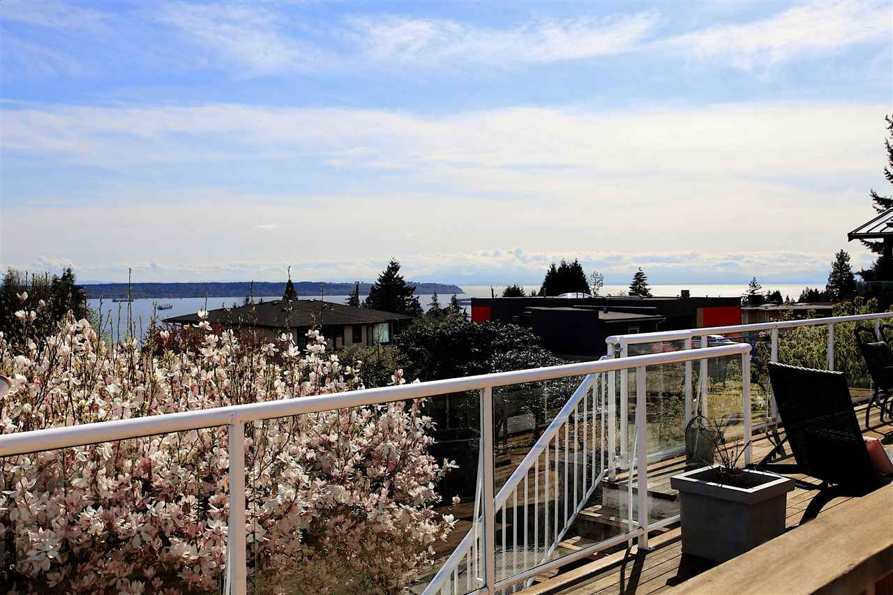 Everything you need is only minutes away from this great family home.  Located on a beautiful cul-de-sac in the British Properties, this home sits on one of the largest lots on the street at 10,248 sq.ft.  South facing views of Downtown Vancouver and UBC can be enjoyed from multiple rooms.  An oversized deck off the renovated kitchen and dining room is made for entertaining and overlooks the private, fully fenced backyard.  An easy walk to Chartwell Elementary, Sentinel Secondary, Hollyburn Country Club and a short distance to Capilano Golf & Country Club and all the amenities of Ambleside.  This truly is an amazing home in an amazing location.