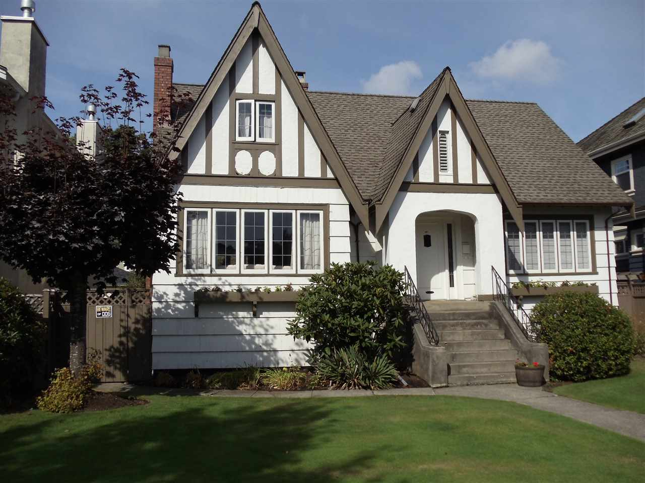 Attention Developers, Renovators & Investors. Traditional west side tudor style home located in prestige McKenzie Heights situated on flat 50x130 lot, paved lane, fully fenced yard. Covered sundeck and landing. Perfect for owner/investor as residence or rental for future build. Oil tank removed.  Best deal for bigger lot 6500 sq ft in McKenzie Heights!  Open house Nov 18 2-4