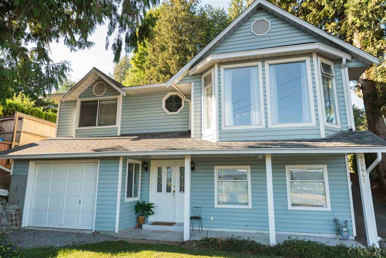 Investors and first time home buyers! 2192 SF East Abbotsford rancher on quarter acre lot with lane access and across from Delair park. Built in 1987 and lived in by the original owner, never been on the market. Bring your tool belt this one has lots of potential. Double carport and a single car garage with parking for an RV or trailer. This home is nestled in a cul-de-sac and minutes from freeway access and shopping. Close to all level of schools, in the Mountain Elementary and Yale secondary school catchments. Won't last long priced to sell!