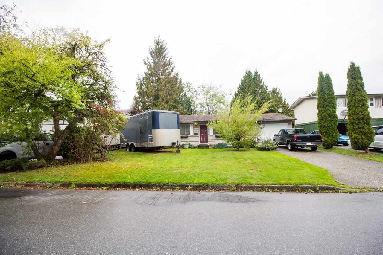 Rancher on a 7,182 sq.ft. large lot with fenced private yard, 3 bedrooms, 1 bathroom, covered outdoor rear yard patio and single car garage. Currently rented out at $1,600/month. Walking distance to public transit, Golden Ears Elementary School, Thomas Haney Secondary School, Pioneer Park, Valley Fair Mall and Haney Place Mall.