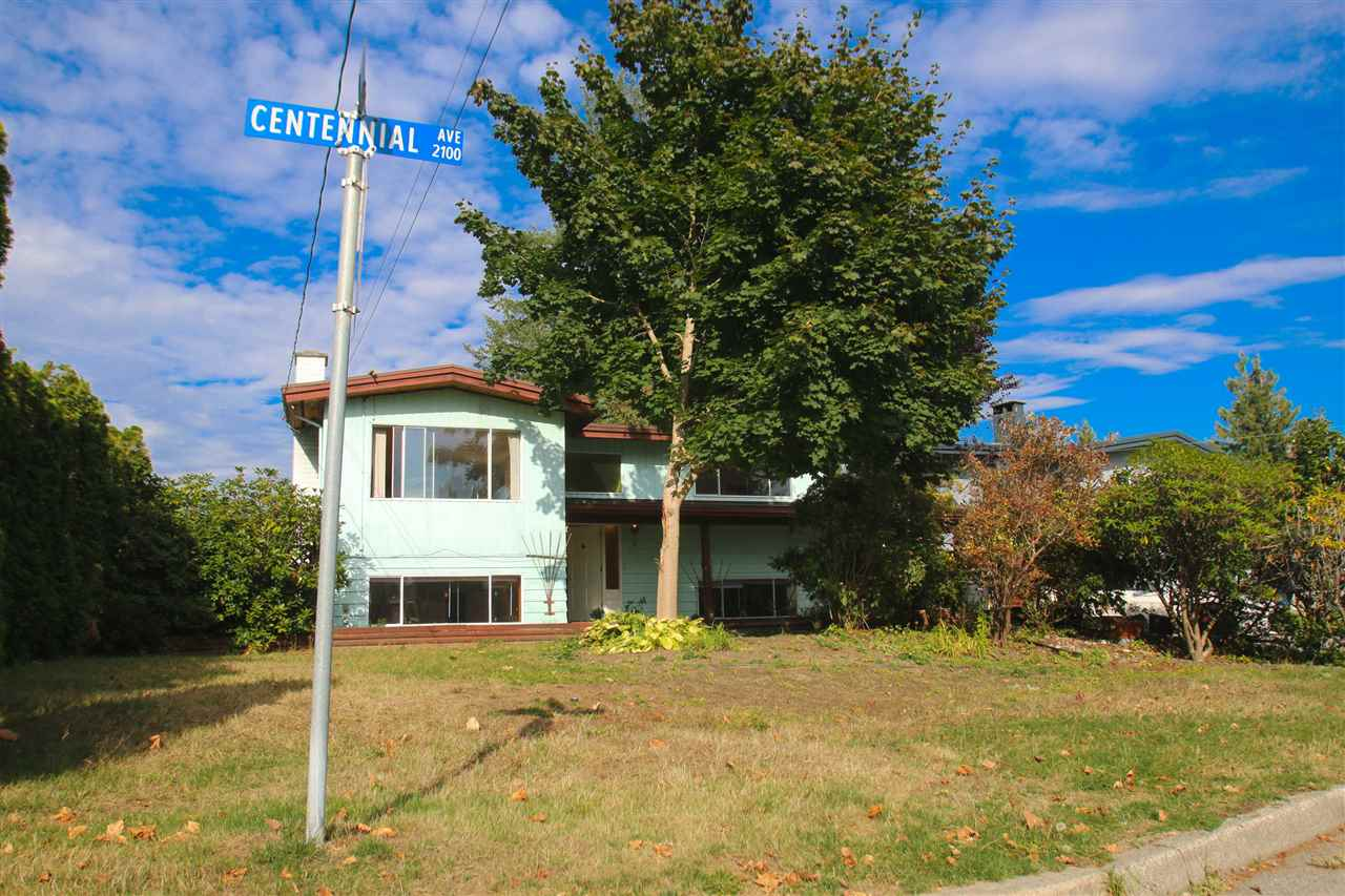 7000+ LOT! Amenities close by include, Coquitlam River Park, Middle School, Downtown shopping, transit & more! Separate entrances for upstairs and downstairs. great income earner.  perfect family neighbourhood, very safe. home feels really solid. give it a little tlc and make it shine.