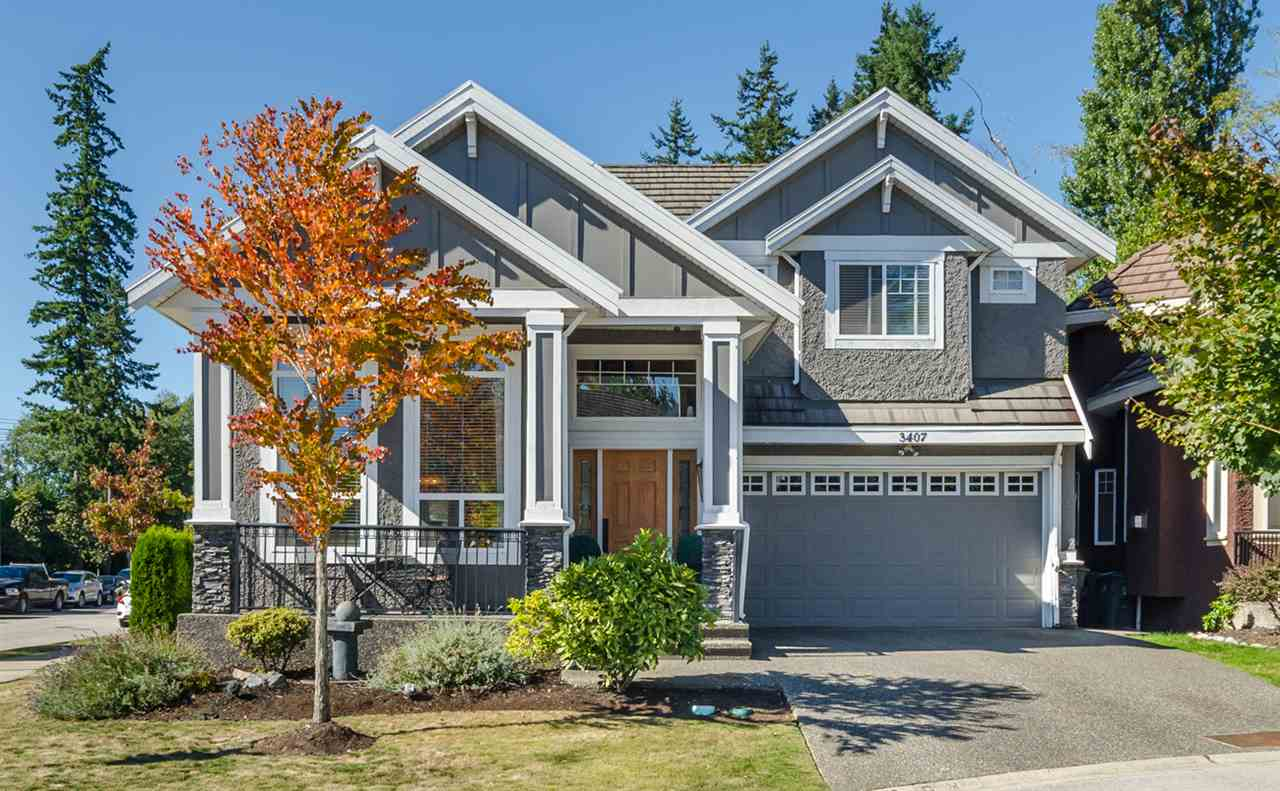 West Rosemary Heights ? Impressive, ideally located & well-maintained, 6bd/5ba, 3,624sf home situated on a 4,280sf corner lot backing onto pathway to Barbara Cr, in a sought-after neighbourhood. Home has been thoughtfully designed with wonderfully appointed interiors. Soaring vaulted ceilings on main w/ stunning hardwood flrs and millwork. Gorgeous kitchen w/ maple cabinetry and BONUS wok kitchen! Upstairs; 3 spacious bdrms incl mstr w/ spa-like ensuite plus large loft for cozy seating area or computer workstation. Downstairs offers a 2 or 3bdrm suite opportunity, w/ separate kitch, lvg rm & entrance. Flexible layout accommodates various living arrangements. Centrally located & close shops, transit, recreation & more! Call today!