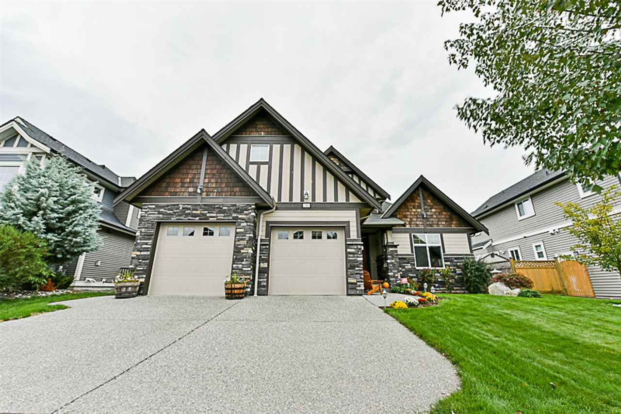 This is it!! IMMACULATELY cared for custom built home located in Pepin Brook Vineyard Estates. This gorgeous 4400 sqft rancher w/Bsmt plus loft, features a large master bdrm & spa like ensuite on the main, & two additional bdrms below. Features include: grand open concept, hardwood floors, granite counter tops, HUGE custom kitchen (chef's dream), stainless steel appliances, vaulted ceiling, crown mouldings, A/C & the list goes on. The bonus loft is perfect for a hobby room or office. Bsmt is completely finished with tons of storage, wet bar, recreation & games room; perfect for kids & gatherings (could be suited if need be). The backyard is ultra private & looks out on greenspace. Perfect for entertaining. Close to all amenities. Public Open House Sunday, October 8th, 3:00 - 5:00 PM.
