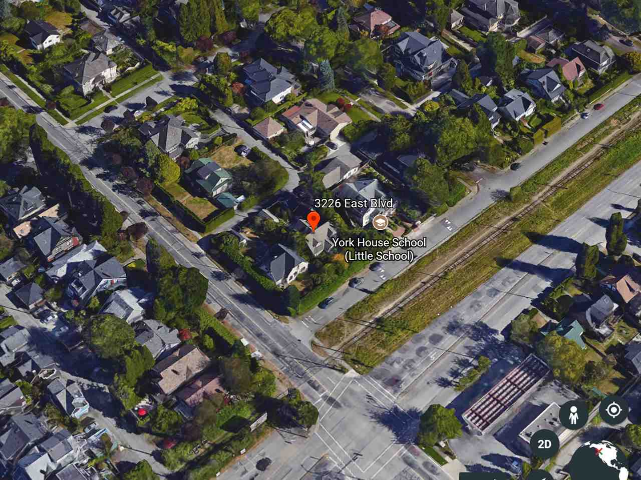 Developers Alert! A rare opportunity to potentially apply and develop high-end townhouse project in the most prestigious First Shaughnessy. - Adjacent Lot 3212 East Blvd. has approved for townhouse rezoning of FSR 1.18 and is also for sale C8015218 and R2215410. - Not within First Shaughnessy Heritage Conservation Area - Strong downsizing demand but no supply in First Shaughnessy. - Irreplaceable location with Arbutus Greenway at door front, easy access to transit, shopping, dining, UBC & Cypress Bikeway. - Surrounded by Vancouver's best private/ public schools.