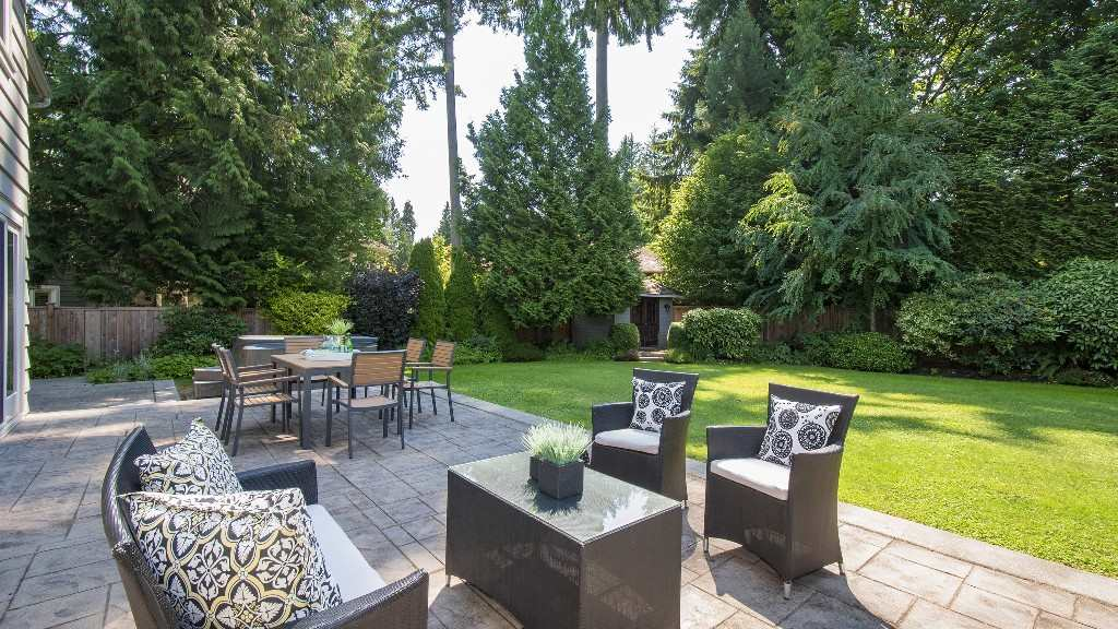 Stunning high end renovation throughout this 2 level family home set on a meticulous south facing 12,000 sqft lot in one of West Vancouver?s hidden gem neighbourhoods! Level entry into an open plan living space on the main level offering large rooms with an abundance of sunlight leading out to a massive level patio & backyard for family enjoyment! The upper level offers 4 bdrms + recrm/5th bdrm with huge master & designer bathrooms. Significant upgrades include kitchen with high end appliances, all bathrooms, fir hardwood floors, newer electrical & plumbing, air cleaner, new cladding, shingle & stone exterior, stamped concrete patio with lush landscape. This home offers a private quiet setting within walking distance to Ecole Cedardale & French Immersion IB Primary. A perfect family home!