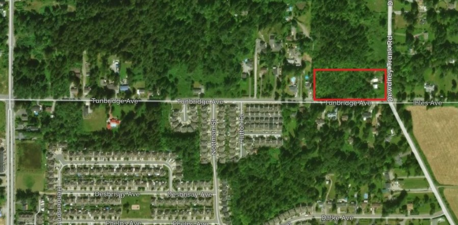 INVESTOR ALERT. This is an Investor's dream opportunity. 5.20 Acres of land, zoned for compact housing. Small house and shop on property currently rented out for $1650/month. Owners have draft plans which are according to the ocp. Mission is a very fast growing community, only 1 hour commute to vancouver.