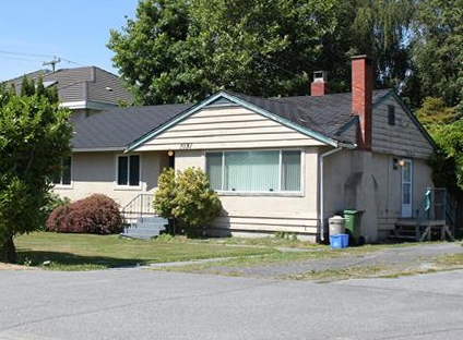 Builder & investor alert! Great home on 66'x122' (8052 SF) rectangular lot in prime spot on this prestigious street. Perfect location close to Steveston-London Secondary & Maple Lane Elementary, parks, shopping & transportation. This property won't last, call today.