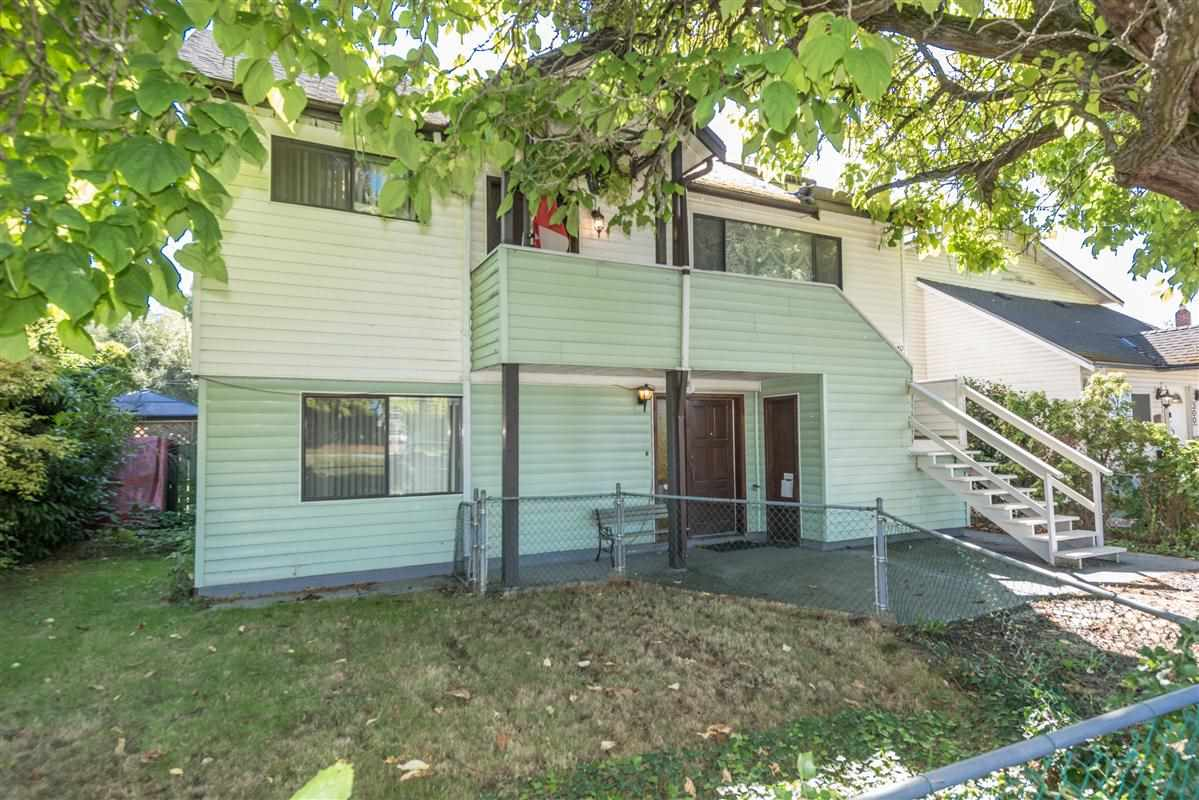 Great Burkeville community. You will love this neighborhood. 50x125 lot. Inlaw suite renovated a few years ago. Fantastic investment home to rent out to large extended family or build a beautiful new home. Close to Vancouver & all amenities. Porch is enclosed being used as a bedroom. Don't miss this one!