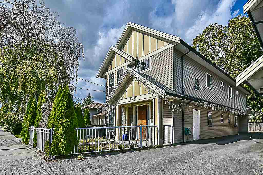2 storey house with 6 bedrooms & 4 baths. Close to all amenities and public transportation.