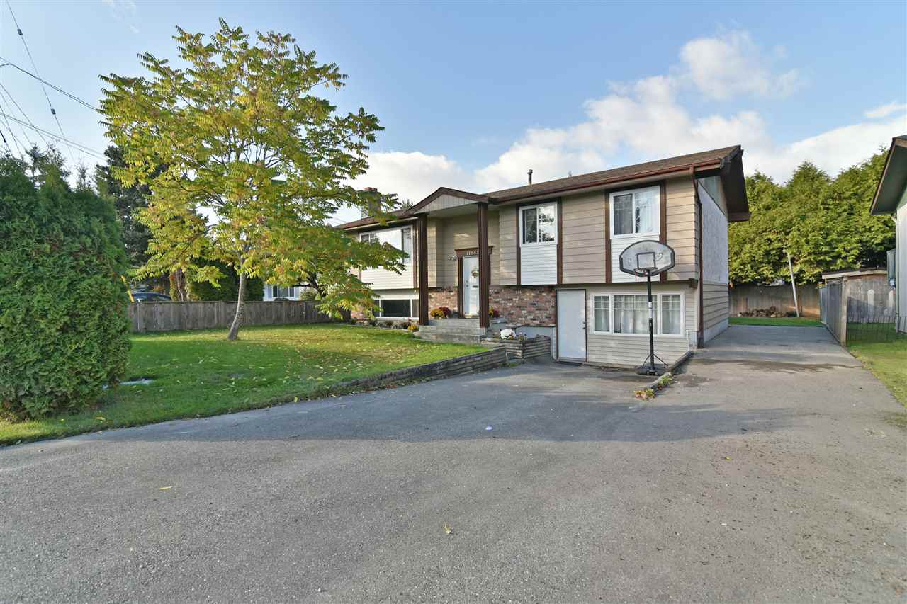 Welcome to another beautiful home in Annieville, North Delta. This 4 bedrooms, 3 bathrooms home is 2,168 sq.ft and sits on a 6,000 sq.ft lot (60x100). 2 kitchens, 3 beds/2 baths up, 1 bed/1 bath down. Well maintained and in good condition. Nice sundeck looking over your fully fenced off backyard. Minutes drive to both levels of schools, shopping and rec centers as well as easy access to HWY 91, 99!!