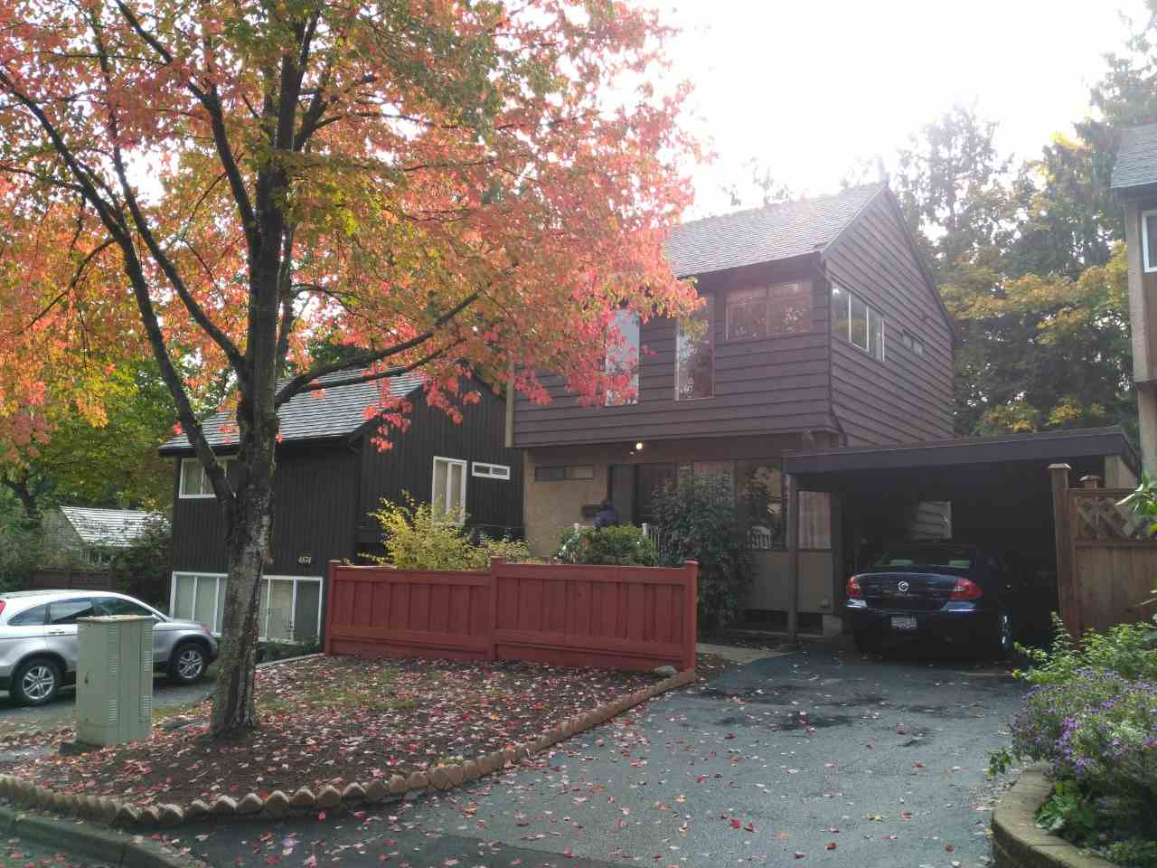 Detached home in the best location in the village. Beautiful tree-lined cul-de-sac. Central location. Close to bus & school.  Open House: Oct 28/29 @ 2PM-4PM.