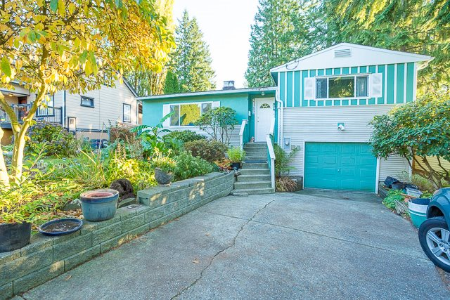 Welcome to Grama's house! This home is cute as a button and waiting for a young family to love it as much as the present owner has. The home features spacious living areas, great for entertaining family and friends. The backyard is over-looked by a spacious sundeck off the dining room, a great place to watch your kids enjoy playing in it's completely fenced surroundings. And who doesn't need extra storage? For that there's a 5' high crawlspace. Updates in this home include the bathroom, furnace, water heater, double vinyl windows, and plumbing. Schools, parks, shopping and restaurants are all within walking distance, and transit is virtually at your door!