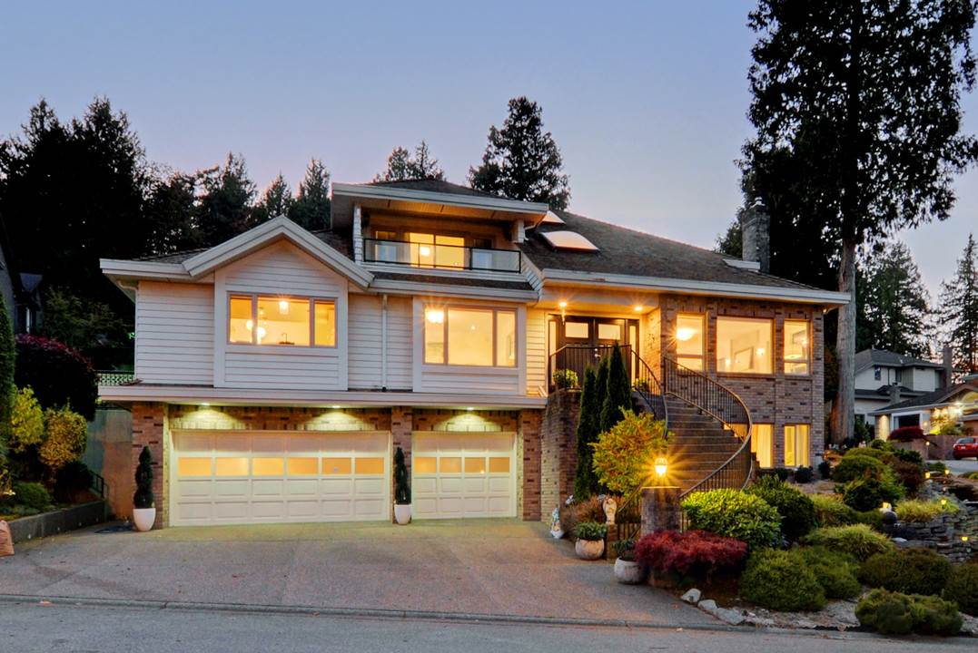 Spectacular luxury residence in one of Tsawwassen's premier neighbourhoods. Boasting stunning views and over 4100 sq ft of living space, this 4 bedroom house has been meticulously renovated with no expense spared. High end finishings throughout and countless custom highlights including tile floor, euro kitchen with Thermador/Miele appliances, wine cellar, luxuriously appointed bathrooms, private outdoor patio, impeccable low maintenance yard, and so much more. This quiet family friendly location is situated in a cul-de-sac, and is perfect for families. Absolutely no disappointments. Open House Sat Nov 18/Sun Nov 19 2-4pm.