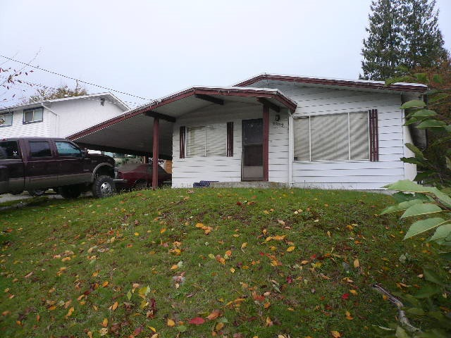 Centrally located 2,200 s/f rancher with full basement. 3 bedrooms up, basement mostly unfinished. Huge lot 8,418 s/f, 61' x 138'. Official Community Plan shows property falls within the urban infill area. Home is in need of updating. Great home, investment or building site. Loads of parking, plus RV parking.