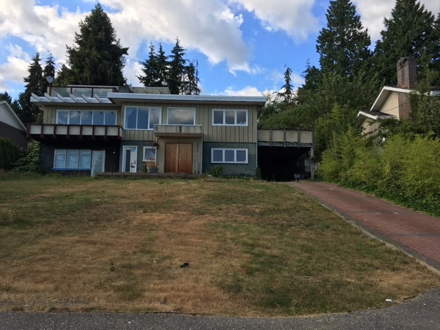 Priced well UNDER ASSESSED value of $3,104,000, this large property in Ambleside has lots of potential for investors/builders.  Located on a cul-de-sac, on the high side of the street, with water and city views that can be made even better from both main and upper floor with a new build.  Enjoy the West Vancouver lifestyle, with boutique shops, restaurants, great recreation, and our gorgeous seawall, all only only minutes away. Easy access to HWY 1, and in the Ridgeview Elementary & West Van Secondary School catchment.