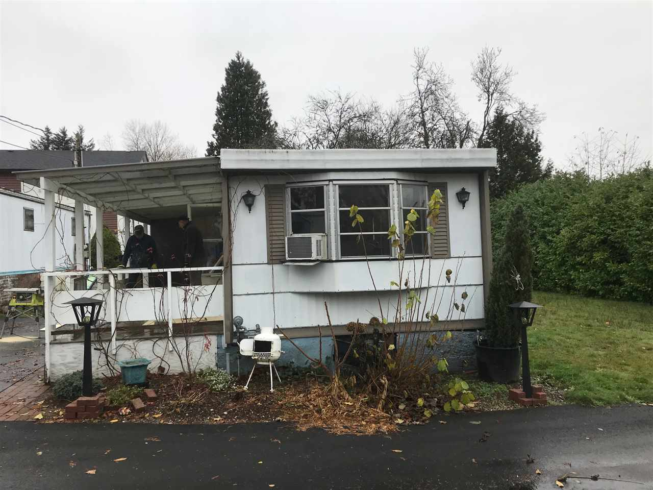 Fleetwood 2 bedroom in family park pet OK Pad rent $550. Fridge, stove, washer, dryer and window coverings all included. Pad located at end of Cul de Sac Great location Bus stop out front of park, Walk to shopping and banking.