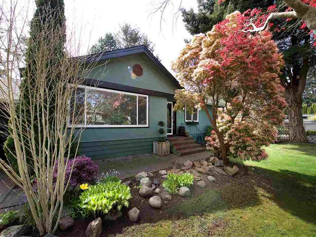 THIS WELL MAINTAINED BUNGALOW HAS EVERYTHING YOU NEED TO RAISE A SMALL FAMILY. RENOVATED 2 YEARS AGO. BIG BACK YARD WITH HOT TUB. DETACHED GARAGE/WORKSHOP PARKING FOR YOUR RV OR BOAT. Currently tenanted. Close to all amenities. FOR BUILDERS, A COPY OF SURVEY AND PLANS AVAILABLE.