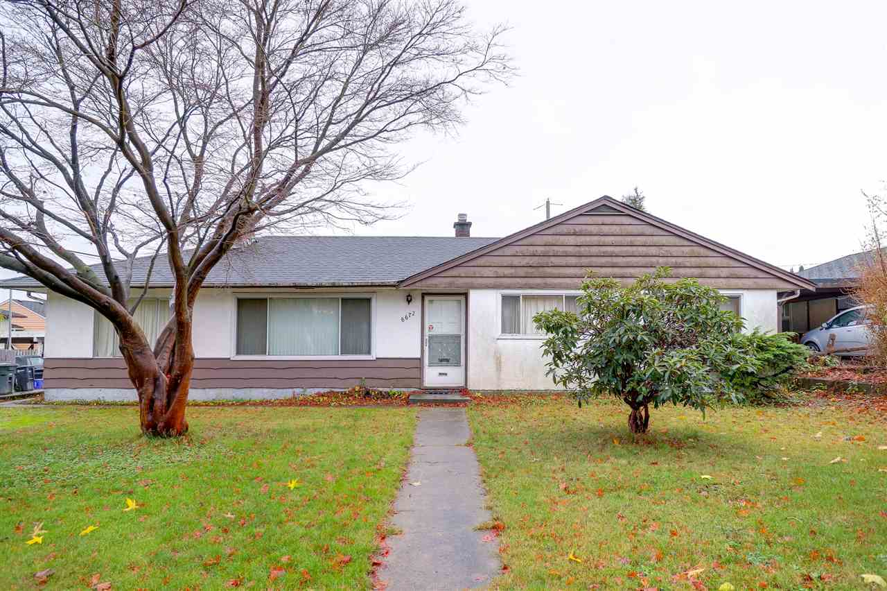 Chance! Great Chance for investor & builder!! 6672 Curtis ST (7381 sqft 61'x121') and next one  6662 Curtis ST (7442 sqft 61'x122') can be sold separately or together. First time on Market, very well maintained bungalow home with 3 bdrs & 1 bathroom. Water tank 2yrs,Furnace 10yrs, fridge 6yrs,roof 12yrs old.  Walk to Burnaby North Secondary, Ecole Aubrey Elementary, Kensinton Shopping Mall and Park Arena.Close to SFU,Golf course,Burnaby Mt etc. Motivated sellers, welcome all the offers.