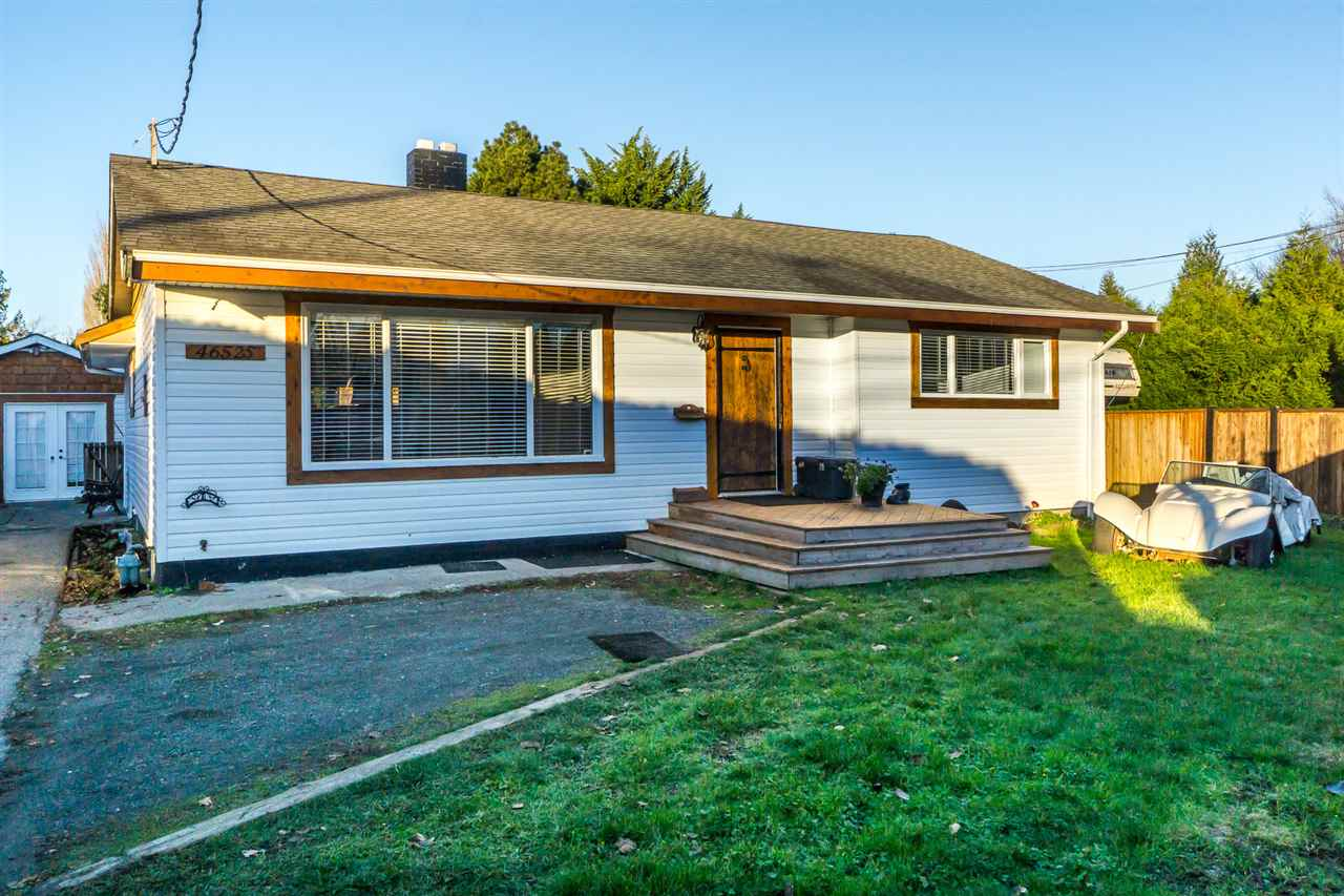 Lovingly cared for bungalow with basement, views of river and mountains, large backyard. Double garage can be a workshop with 220 v power. Additional detached studio for artists, home office, or hobbies. The private fenced yard has plenty of parking for vehicles.