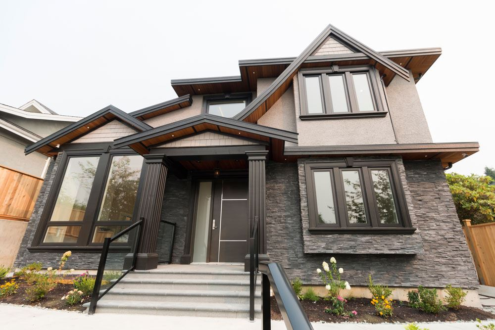 Welcome to this Brand new open concept home in sought after Brentwood Park area. 7 bedrooms, 5 bathrooms. Quality finishing. Legal secondary suite. Conveniently located near Brentwood Mall. Walk to schools, shopping and transportation. Call today! Open house May 6 Sun 2:00pm - 4:00pm.