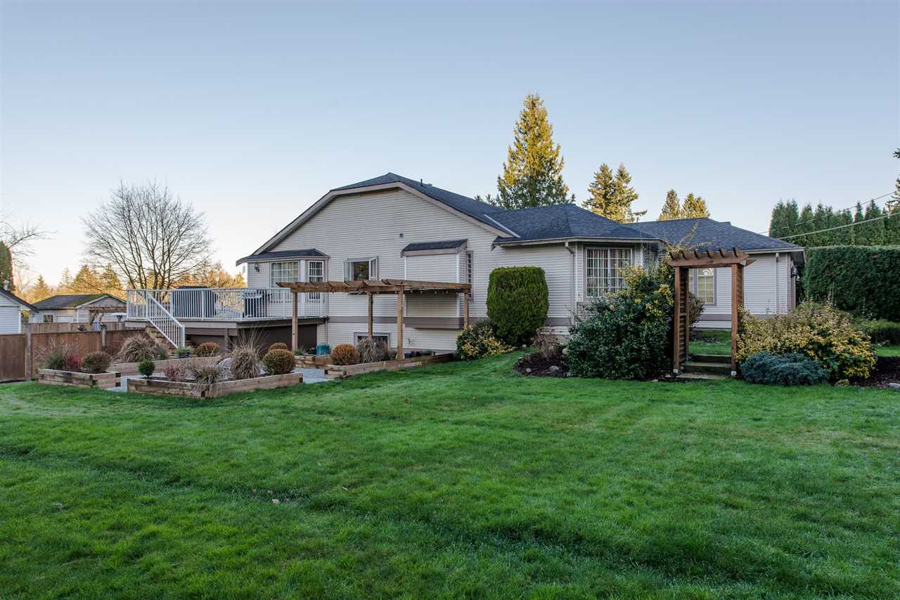 This 3648 sq. ft. Rancher with basement is located on a corner lot on almost 1/3 acre in North Otter area. This home was built by the current owners with a brand new furnace, new S/S fridge, and stove, and Bosch dishwasher. Level entry into living room with a fabulous vaulted ceiling! New carpets, 4 pc main bath and 3 pc ensuite off massive master bedroom retreat. Downstairs is partially finished with bedroom and media room. Bring your ideas to the open unfinished area currently a floor hockey rink! Tons of storage down.