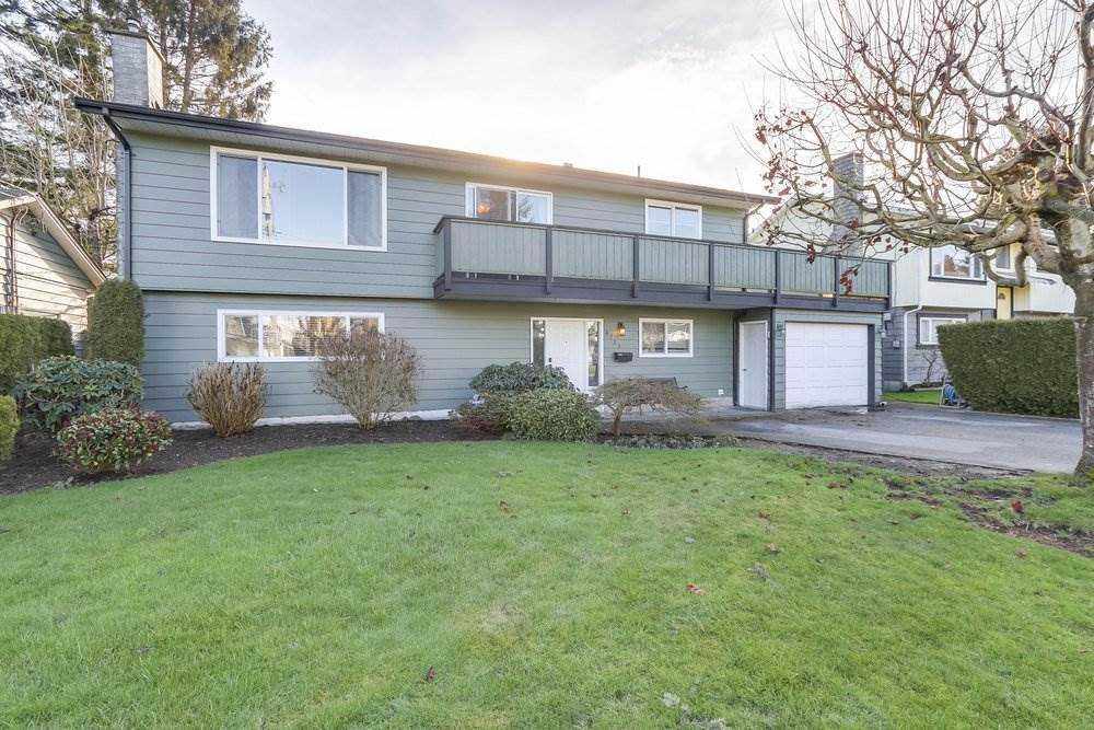 Great starter home in a fabulous cul-de-sac location. South facing backyard with a detached 20 x 12 workshop with 220 power. 3 bedrooms up and Country sized kitchen. New roof in 2008, 6 year old furnace, 3 year old hot water tank and windows. For guys that like working on cars, this double tandem garage is a dream. Central location, close to many amenities including schools, recreation, shopping, restaurants and parks.