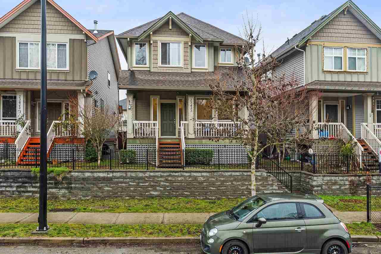 Great location!!! Kanaka area!!! 2 storey with finished basement. Detached garage off lane. 3 bedrooms & 2 full bathrooms upstairs. Master suite with vaulted ceiling and full ensuite plus walk-in closet. Nice open main floor featuring big kitchen with granite countertops+eating bar, dining room, great room plus den/flex room!!!