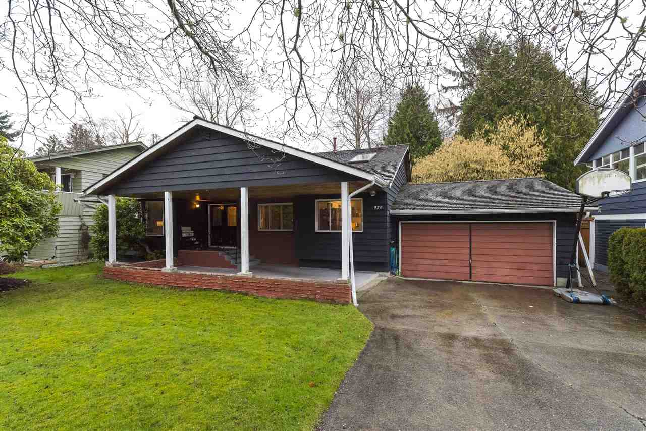 4 bedroom family home in central Tsawwassen with prime, 70' x 132' (9,483 sq.ft) rectangular lot.  Highly convenient location walking distance to elementary & secondary schools, parks, shopping and countless amenities. Perfect opportunity to renovate the 2,000+ sq.ft 3-level split design, hold for investment or build new if desired. Only minutes to South Pointe Academy, Tsawwassen Mills shopping mall, Point Roberts and easy access to freeways.