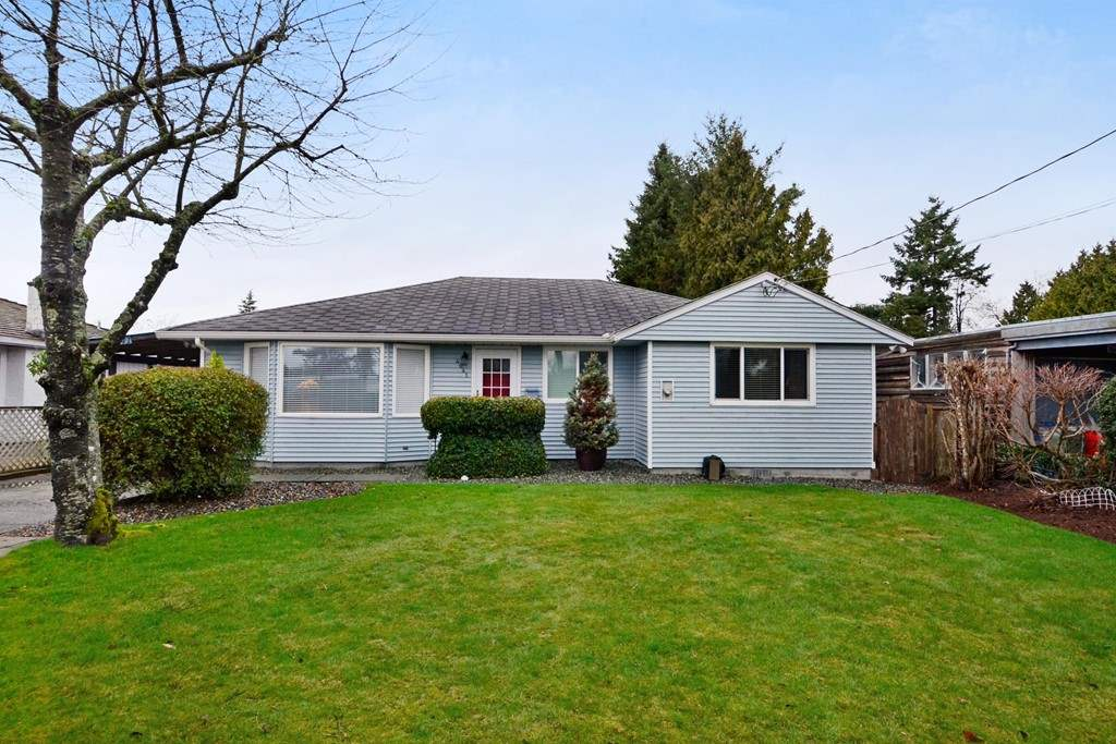 Meticulous spacious rancher in great West Ladner location, with view of park.Bright home with hardwood flooring throughout main living areas. Super west facing private backyard and garden. Updated with roof (Nov 2006), Gutters (Oct 2010), garage roof (June 2015). Spacious living room with fireplace, formal dining room and super size family room. Relax on your patio or enjoy the sunny backyard. Buy now and live in the home or hold for future.