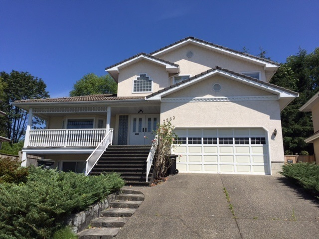 """Great desirable location in """"Montecito"""" Burnaby, it's on the high side of street, North/South facing & the lot over 10,000 sq.ft. w/panoramic view at front.  Lots of potential on this 4100 sq.ft. home.  Very functional layout, bright & spacious, 4 bedrooms up, den + over 1000 sq.st.ft. fully finished basement.  Kitchen overlooking huge fenced backyard with 2 doors walk out to deck to enjoy summer BBQ's, its feature with sunken living rm, big dining rm, 3 fireplaces, skylights & lots more.  Very easy access to SFT, Skytrain, park, shopping.  It's a perfect location for you to live or a great holding/investment property."""