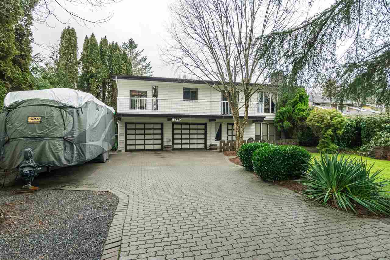 Rare opportunity to own a large one of kind lot in Fort Langley. This beautiful 14,853 sq ft south western exp. lot backs onto a picturesque pastoral 15 acre property. This basement entry home has been meticulously maintained, with a great floor plan incl 4 large bedrooms and 3 spacious bathrooms. Double garage and large oversized driveway with RV parking. Private fenced backyard with large covered deck and stunning views! This home is a great location...All within walking distance to everything desirable Fort Langley has to offer. Fort Langley is up and coming with many new high end luxury homes being built. Please see full pics and v/tours to truly appreciate this fabulous home! ***Perfect property for the Horse Enthusiast that would like to use a barn and 20 acres of property.***