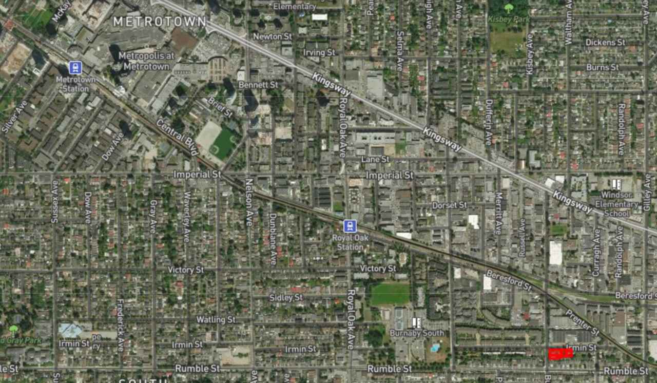 Townhouse Land Assembly in prime Metrotown Area!! Five minute walk to Royal Oak Skystrain Station, 2 Minute walk to Burnaby South Secondary and Clinton Elementary School. Over 33,000 Sq ft of land! Call for more information!!